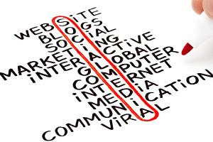 Existen varias herramientas de marketing online que pueden promocionar la web para mi despacho